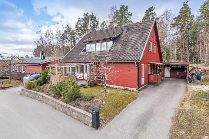 Bild: 7 rum villa på Bergsättravägen 14, Österåkers kommun Margretelund - Tråsättra