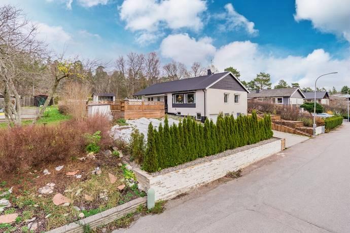 Bild: 6 rum villa på Insektsvägen 3, Nyköpings kommun Bryngelstorp