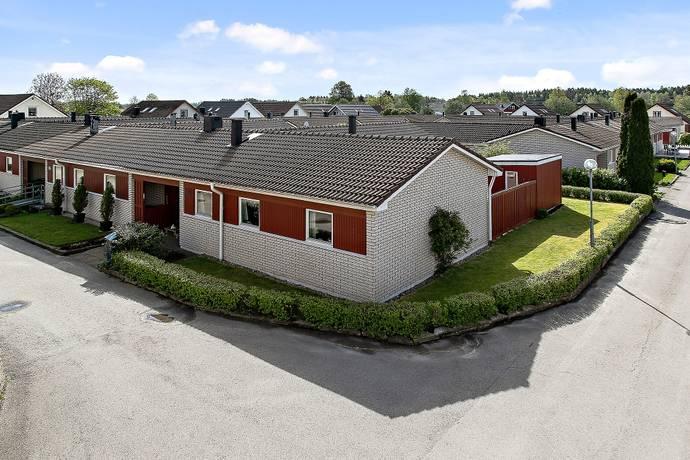 Bild: 5 rum villa på Myrgången 86, Trollhättans kommun Myrgången
