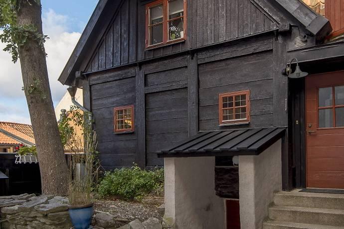 Bild: 5 rum villa på Ryska Gränd 2b, Gotlands kommun Visby-Innerstad