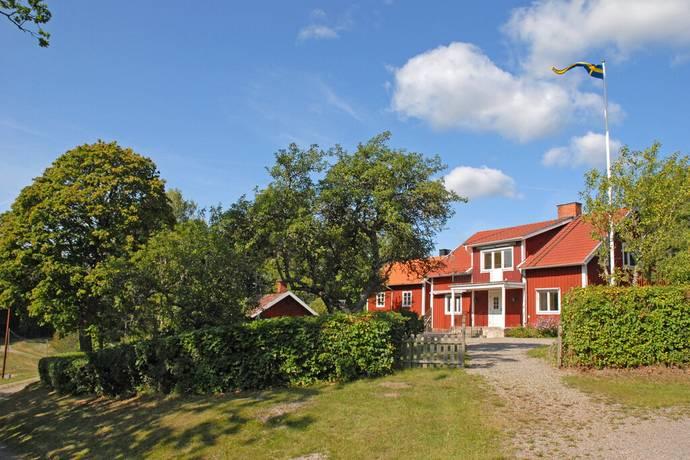 Bild: gård/skog på Hagby gård, Nyköpings kommun