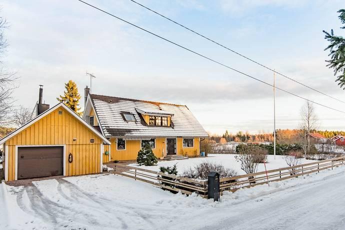 Bild: 6 rum villa på Hyttmyravägen 44, Sandvikens kommun Storvik