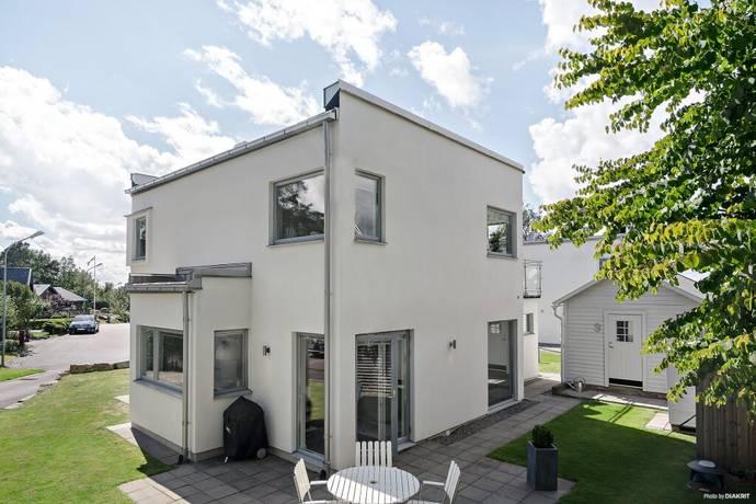 Bild: 4 rum villa på Hasselbacken 9, Borås kommun Villastaden