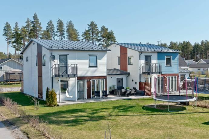 Bild: 4 rum villa på Symfonivägen 2B, Umeå kommun Umedalen