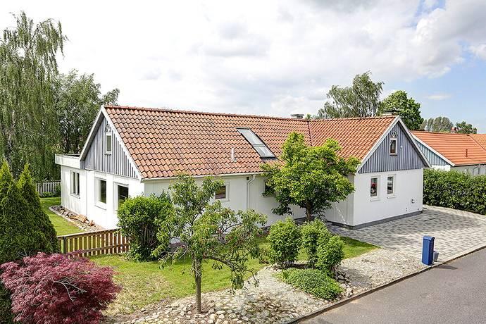 Bild: 7 rum villa på Hasselgatan 6, Svedala kommun Bara