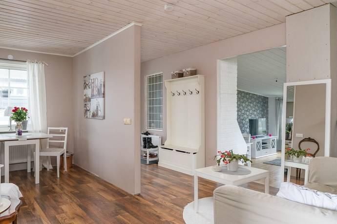 Bild: 4 rum villa på Bokvägen 4, Katrineholms kommun Katrineholm väster