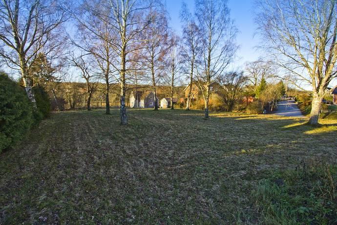 Bild: tomt på Trädgårdsgatan 2, Svalövs kommun RÖSTÅNGA