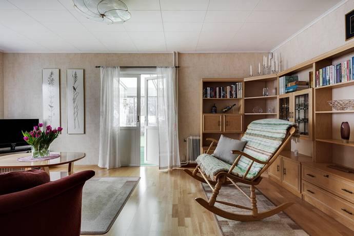 Bild  5 rum villa på Corneliusgatan 6 8d4388221fff8