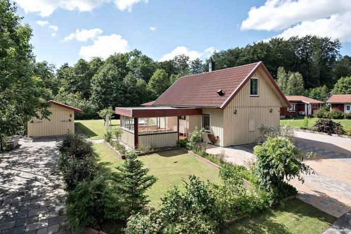 Bild: 5 rum villa på Kalvhagsvägen 11, Ängelholms kommun Lerbäckshult