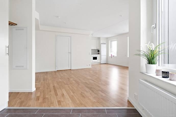 Bild: 2 rum bostadsrätt på Pettersbergsvägen 4, 2 tr, Upplands-Bro kommun Brunna Park