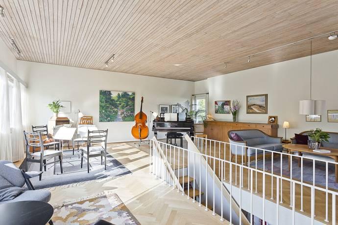 Bild: 8 rum villa på Döbelnsgatan 17, Uppsala kommun Kåbo
