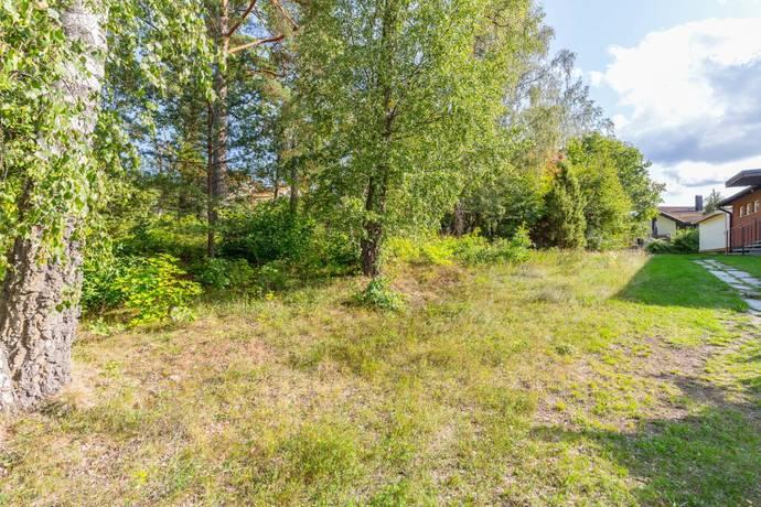 Bild: tomt på Ungdomsvägen 6, Täby kommun Hästängen