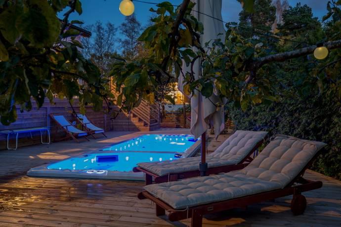 Bild: 8 rum villa på Lessebovägen 137, Stockholms kommun Stureby