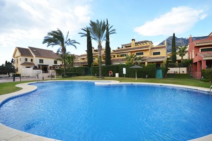 Bild: 6 rum bostadsrätt på Radhus beläget i Nagüeles!, Spanien Marbella - The Golden Mile