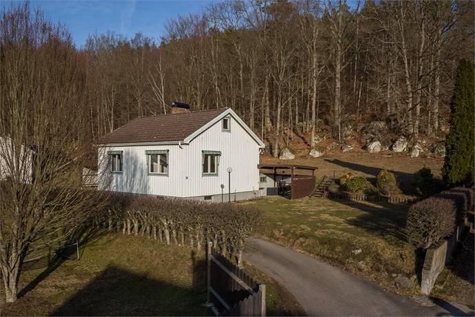 Bild: 2 rum villa på Norra Kyrkhultsvägen 34, Olofströms kommun Olofström