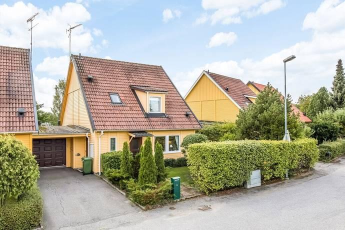 Bild: 4 rum radhus på Mestadalsvägen 6, Eskilstuna kommun Mesta