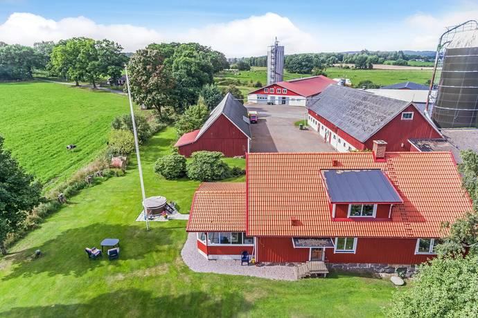 Bild: 8 rum gård/skog på Slangemöllan Ängarna 370, Halmstads kommun