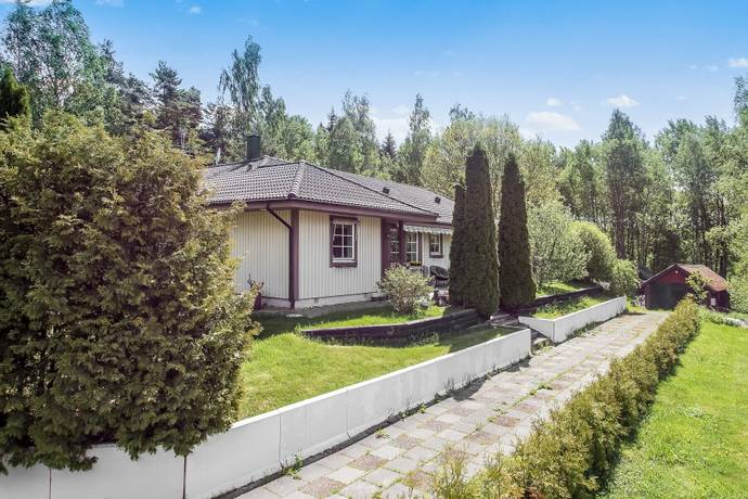 Bild: 6 rum villa på Stenhagsvägen 4, Upplands-Bro kommun Håbo Tibble