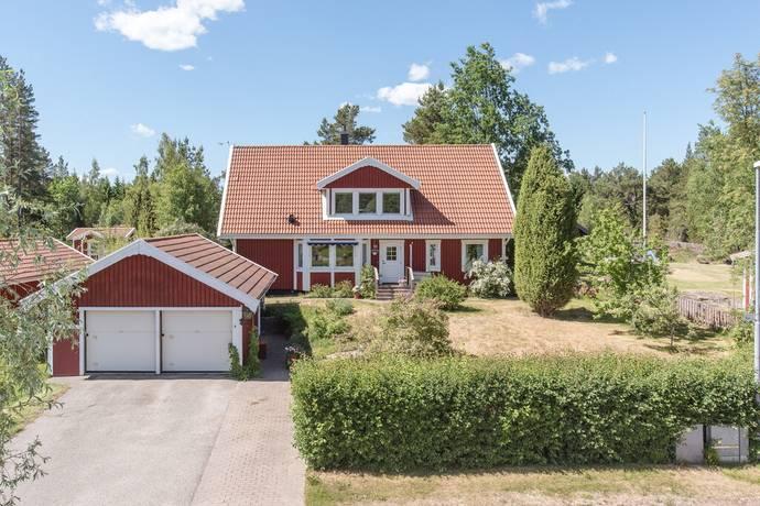 Bild: 6 rum villa på Tullgrindsvägen 18, Gävle kommun Hillevik