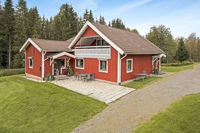 Bild: 8 rum villa på Hjortsjö  Vägholmen, Värnamo kommun Rydaholm