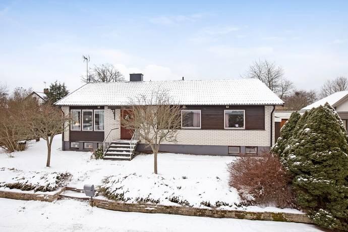 Bild: 6 rum radhus på Jannehillvägen 1, Vetlanda kommun Bäckseda