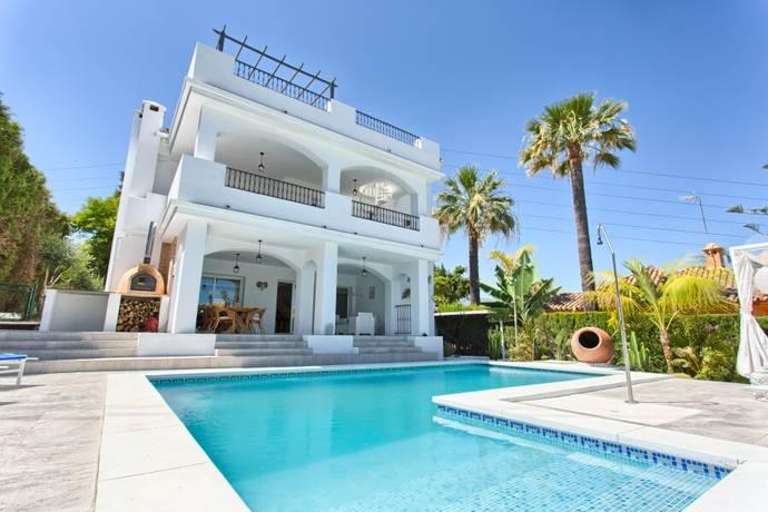 Bild: 5 rum villa på Nyrenoverad villa i Marbella, Costa del Sol, Spanien Marbella