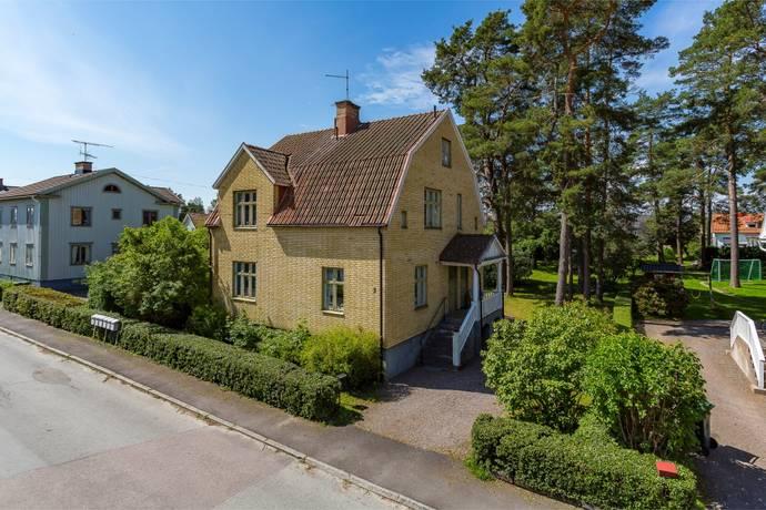 Bild: 6 rum villa på Hantverkaregatan 3, Åmåls kommun Centralt
