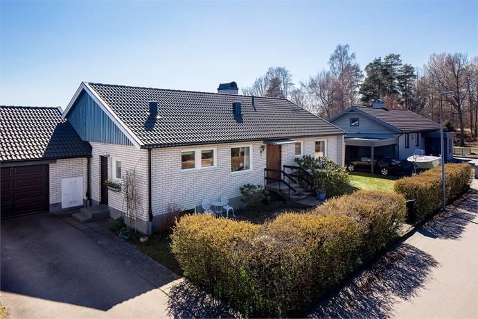 Bild: 6 rum villa på Mandelvägen 9, Växjö kommun Hov