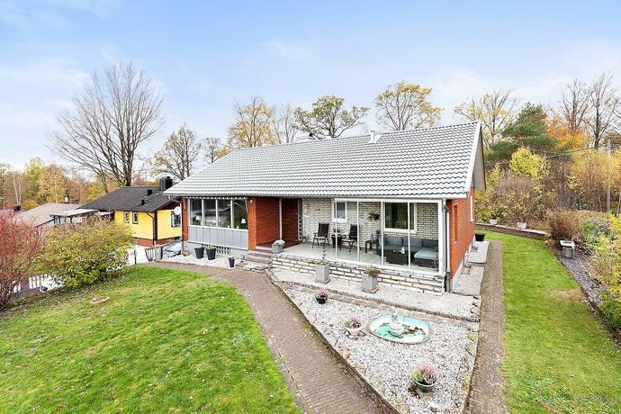 Bild: 8 rum villa på Spelvägen 19, Perstorps kommun Perstorp