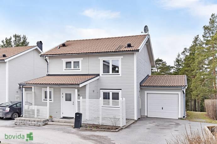 Bild: 4 rum villa på Talgoxevägen 18, Värmdö kommun Ösbydalen