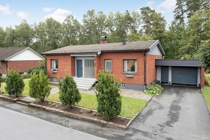 Bild: 8 rum villa på Tallvägen 6, Värnamo kommun Forsheda