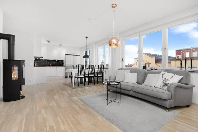 Bild: 3 rum bostadsrätt på Radiusbacken 4, vån 4, Stockholms kommun Telefonplan/Midsommarkransen