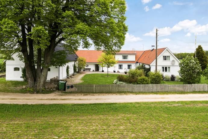 Bild: 11 rum villa på Bonaröd 104, Tomelilla kommun Brösarp
