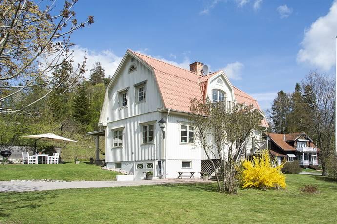 Bild: 5 rum villa på Harneskvägen 2B, Österåkers kommun Margretelund