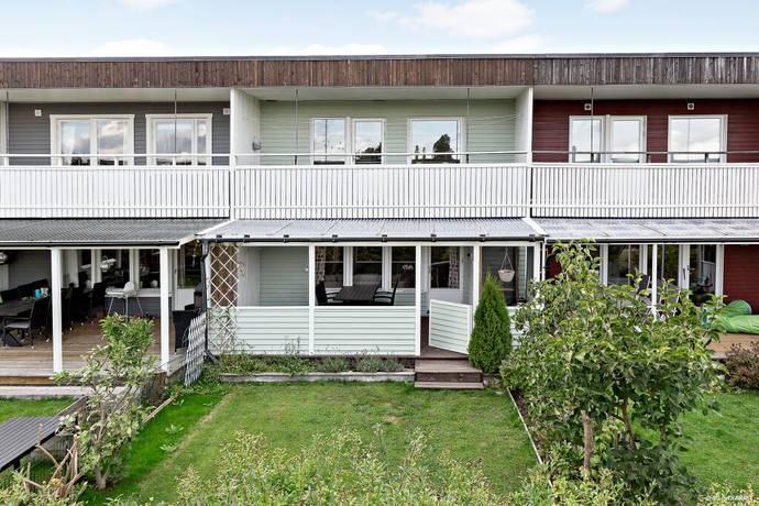 Bild: 5 rum radhus på Fajansstigen 27, Upplands-Bro kommun Brunna