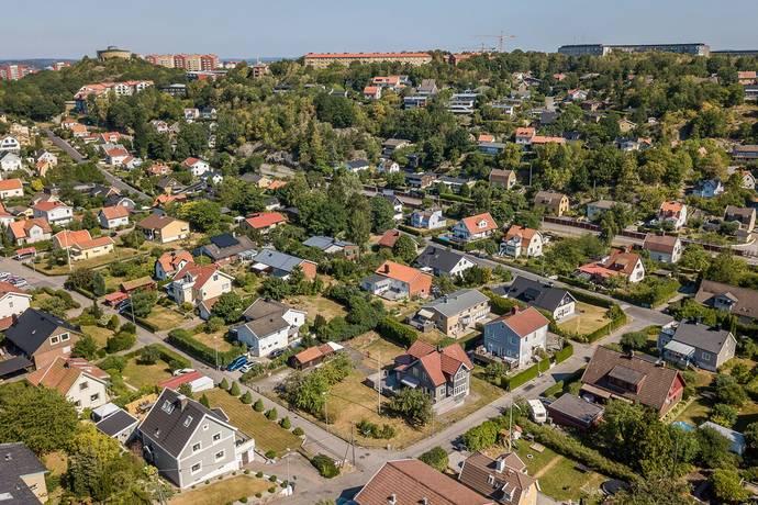Bild: tomt på Gråvidegatan 15, Mölndals kommun Toltropsdalen