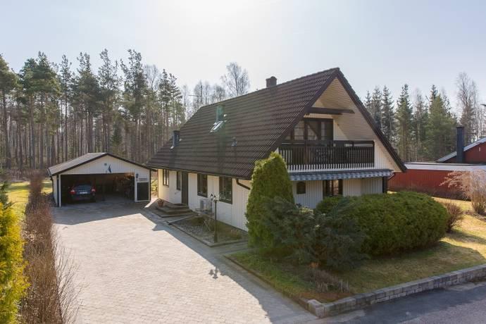 Bild: 5 rum villa på Tallbacksgatan 31, Kristinehamns kommun Bäckhammar