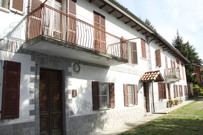 Bild: 9 rum villa på 599 Rocchetta Palafea, Italien Piemonte