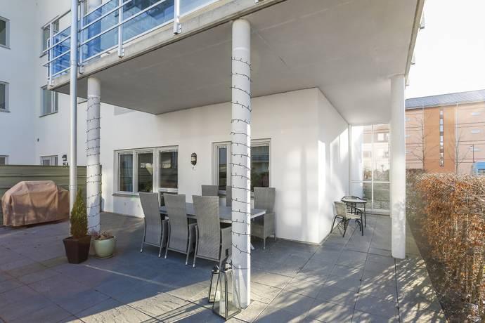 Bild: 3 rum bostadsrätt på LANDBOTORPSALLÉN 15 A, Örebro kommun Ladugårdsängen