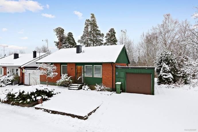 Bild: 4 rum villa på Bäckatorpsgatan 82, Hallsbergs kommun Hallsberg