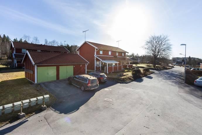 Bild: 4 rum radhus på Rabovägen 40 A & B, Köpings kommun Guttsta