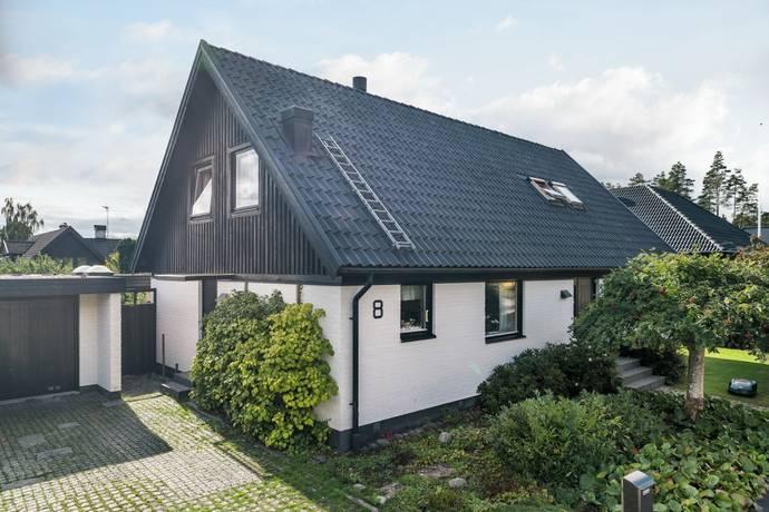 Bild: 5 rum villa på Kaprisvägen 8, Värnamo kommun Gröndal