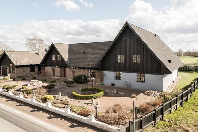 Bild: 10 rum villa på Fulltoftavägen 31, Hörby kommun Ludvigsborg