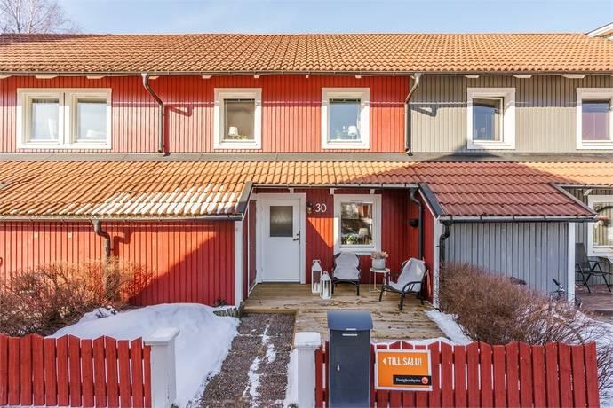 Bild: 4 rum radhus på Runstensvägen 30, Gävle kommun Bomhus