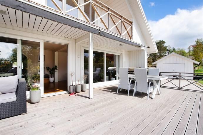 Bild: 6 rum villa på Grönnäsvägen 1, Uddevalla kommun Sunningen