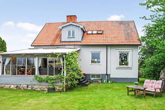Bild: 6 rum villa på Södra Herrgårdsgatan 25, Motala kommun MOSSEN