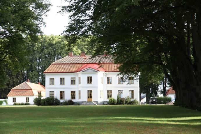 Bild: 25 rum gård/skog på Tullesbo Slott, Sjöbo kommun Mellan-Skåne