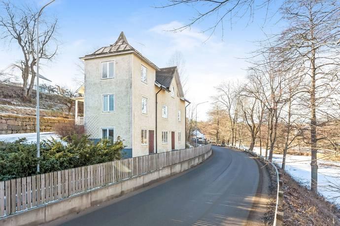 Bild: 7,5 rum villa på Järnvägsgatan 20, Valdemarsviks kommun Valdemarsvik