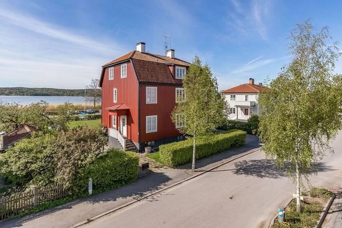 Bild: 7 rum villa på Hertig Karls allé 14, Strängnäs kommun Mariefred
