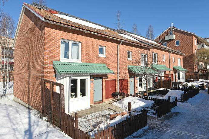 Bild: 4 rum radhus på Älvans väg 226, Umeå kommun Tomtebo